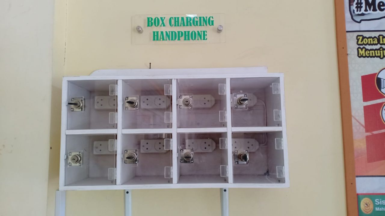 Box Charging Handphone